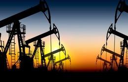 Giá dầu tăng mạnh nhất 4 năm sẽ tác động thế nào đến kinh tế thế giới?