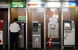 Nhiều ngân hàng tăng phí giao dịch