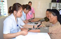 Phú Thọ: Khám, tư vấn sức khỏe và cấp thuốc miễn phí cho gần 400 người cao tuổi