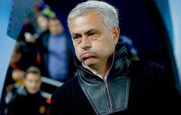 Đóng 700.000 bảng, Mourinho thoát cảnh... tù tội