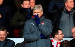 Arsenal thua sốc, HLV Wenger trút giận lên học trò