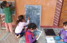 Trường học đặc biệt cho trẻ em bên bờ sông Nile của Ai Cập