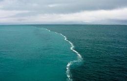 Nơi hai biển gặp nhau nhưng dòng nước tách đôi không hòa trộn
