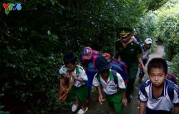 """Câu chuyện """"Thế hệ số"""" hôm nay: Thầy giáo mang quân hàm xanh"""
