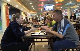 Phóng viên Thể Thao VTV tác nghiệp tại World Cup 2018: Đồ ăn Việt được yêu thích mùa World Cup