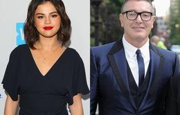 Nhà đồng sáng lập Dolce & Gabbana chê Selena Gomez xấu xí