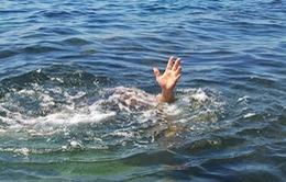 Tắm mát ở đập, một em nhỏ đuối nước tử vong