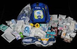 Túi đồ cấp cứu của bác sĩ tại World Cup có những gì?