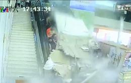 Sập trần nhà trung tâm du lịch ở Trung Quốc, ít nhất 9 du khách bị thương