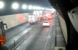 [VIDEO] Tai nạn giao thông liên hoàn trong hầm đường bộ Hải Vân