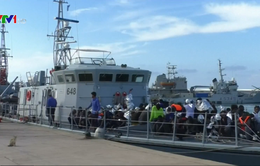 Cứu hơn 100 người di cư ngoài khơi Libya