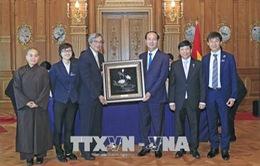 Chủ tịch nước gặp gỡ cộng đồng người Việt Nam tại Nhật Bản
