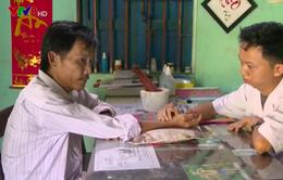 Một lương y vượt lên số phận, chữa bệnh cứu người