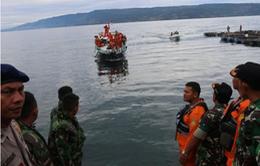 Indonesia tiếp tục tìm kiếm 192 hành khách bị mất tích sau vụ chìm thuyền