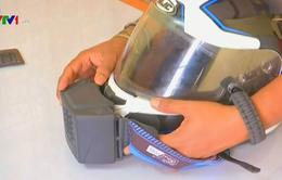 Độc đáo mũ bảo hiểm có điều hòa nhiệt độ