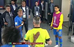 """FIFA World Cup™ 2018: Neymar đợi trong đường hầm, quyết """"ăn thua đủ"""" với trọng tài"""