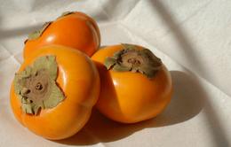 Bất ngờ với những lợi ích sức khỏe của quả hồng giòn