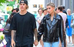Justin Bieber công khai hôn tình mới trên phố