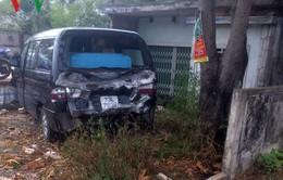 Xe bán tải gây tai nạn khiến 2 người thương vong