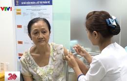 Người dân TP.HCM đổ xô tiêm vaccine phòng cúm A/H1N1