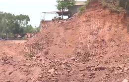 """Bắc Giang: Đồi bị """"xẻ thịt"""" để xây dựng công trình sai phép"""