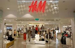 H&M tồn kho kỷ lục quần áo chưa bán được