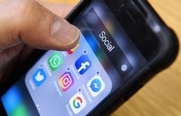 """Thiếu niên Mỹ đang bỏ Facebook """"theo"""" YouTube"""