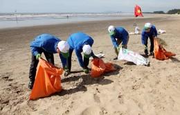 Bình Thuận: 500 thanh niên ra quân làm sạch bãi biển