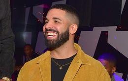Drake lên chức bố trong khi vẫn hát về Bella Hadid