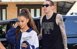 Ariana Grande hạnh phúc ra phố cùng bạn trai