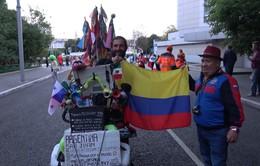 Phóng viên Thể Thao VTV tác nghiệp tại Nga: CĐV đạp xe 80.000 km cổ vũ ĐT Argentina
