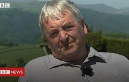 Người đàn ông sống chung với bệnh đau khớp hông suốt nhiều năm chờ phẫu thuật