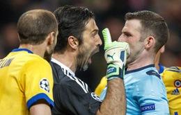 Buffon bị UEFA treo giò 3 trận