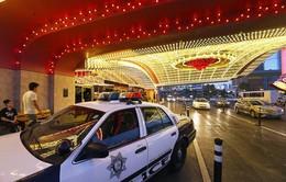 Khách sạn treo thưởng 10.000 USD để tìm nghi phạm giết 2 người Việt