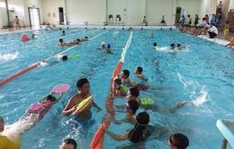 Nhu cầu học bơi gia tăng trong dịp hè