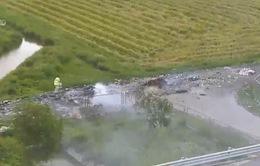 Vẫn còn tình trạng đốt rác thải trên hành lang cao tốc Hà Nội - Hải Phòng