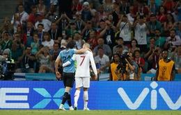 Bị loại đau đớn, Cris Ronaldo vẫn cực fair-play
