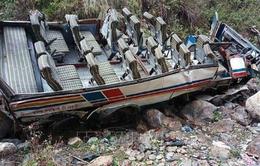 Ấn Độ: Xe khách lao xuống hẻm núi, gần 50 người thiệt mạng