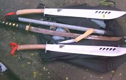 Nhóm thanh niên mang theo dao, súng từ TP.HCM đến Đồng Nai đòi nợ