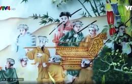 Gặp gỡ nghệ nhân dòng tranh kính đầu tiên tại Việt Nam