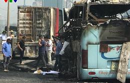 Hiện trường tai nạn khiến 2 xe bốc cháy trên vành đai 3, một thai phụ tử vong