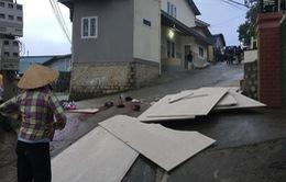 Lâm Đồng: Hàng chục tấm bêtông trượt khỏi thùng xe, đè chết 2 người