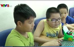 Tiếp cận công nghệ robot - học mà chơi, chơi mà học