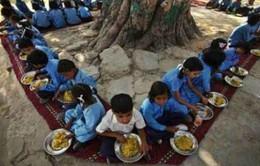 120 học sinh Ấn Độ nghi bị ngộ độc thực phẩm