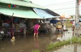 Ngập nặng sau mưa, tiểu thương chợ Phụng Hiệp (Hậu Giang) gặp khó