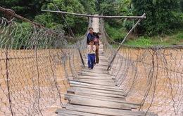 Hơn 1/3 cầu treo ở Kon Tum mất an toàn