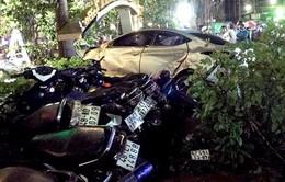 Đắk Nông: Ô tô mất lái tông vào quán cà phê làm hai nữ sinh tử vong