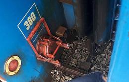 Tàu SE5 bị đứt móc nối giữa hai toa xe