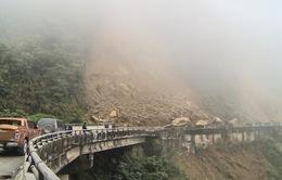 Hà Tĩnh: Nước lũ gây ngập các khu dân cư, Quốc lộ 8A bị sạt lở nặng