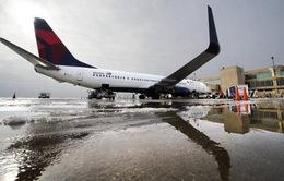 Hai máy bay hạ cánh khẩn cấp liên tiếp tại sân bay Kansas, Mỹ